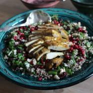 Quinoa-ris salat med kylling og grønne bønner