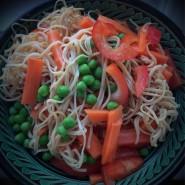 Bønnepasta med friske grøntsager